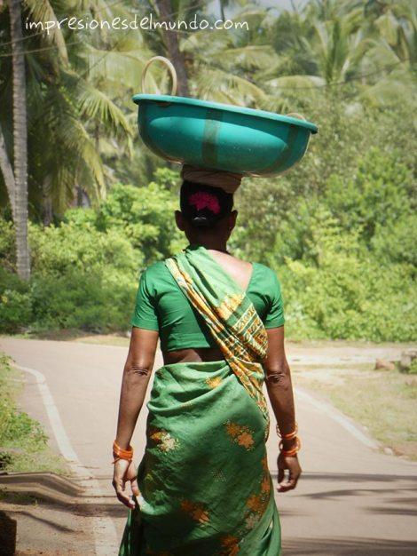 mujer-Agonda-Goa-impresiones-del-mundo
