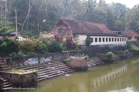 tanque-templo-Varkala-impresiones-del-mundo