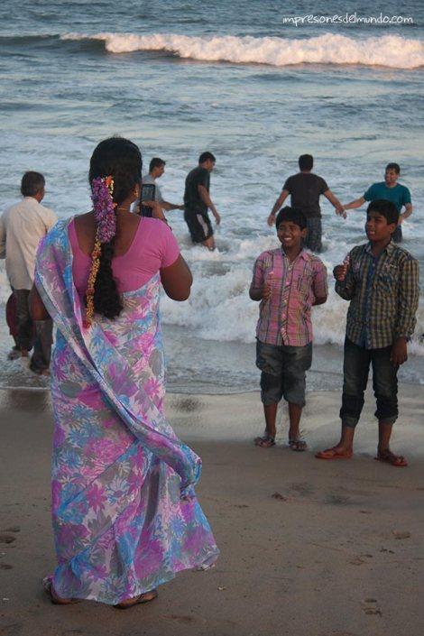 familia-Mamallapuram-impresiones-del-mundo