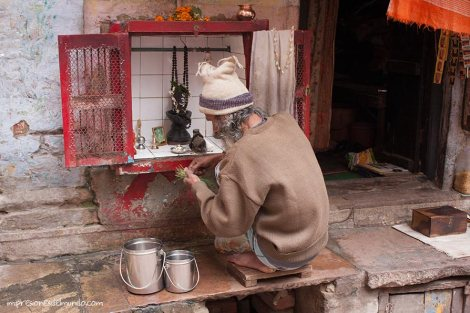 altar-Varanasi-impresiones-del-mundo