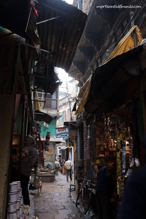 calle-2-Varanasi-impresiones-del-mundo