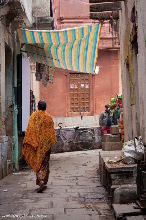 calle-3-Varanasi-impresiones-del-mundo