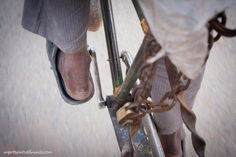 conductor-bikerickshaw-Varanasi-impresiones-del-mundo