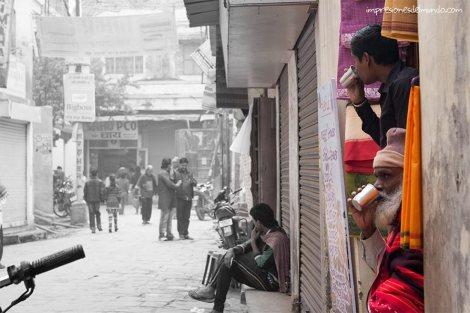 hombres-bikerickshaw-Varanasi-impresiones-del-mundo