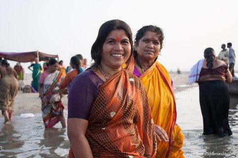 mujeres-2-Ganges-Varanasi-impresiones-del-mundo