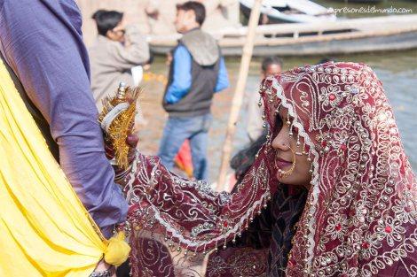 novia-Ganges-Varanasi-impresiones-del-mundo