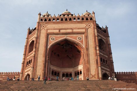 puerta-Fatehpur-Sikri-impresiones-del-mundo