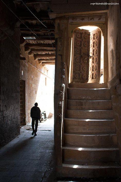 puerta-Jaisalmer-impresiones-del-mundo
