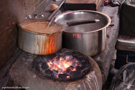 puesto-chai-Varanasi-impresiones-del-mundo