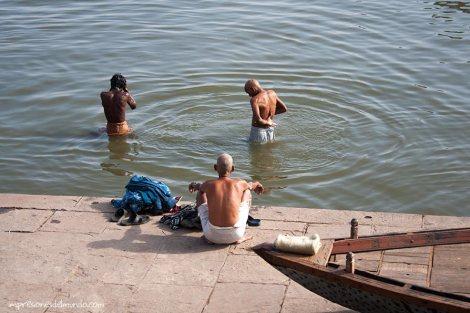 puja-Ganges-Varanasi-impresiones-del-mundo