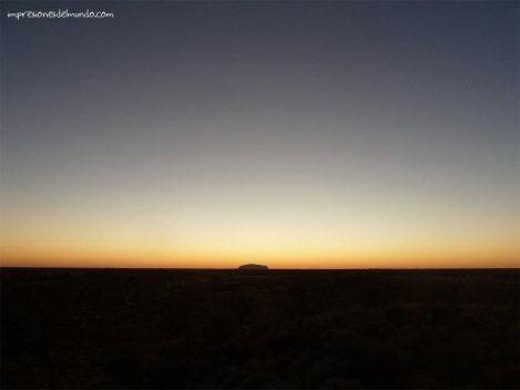 amanecer-uluru-australia-impresiones-del-mundo