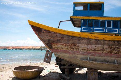 barco-pesca-Mui-Ne-impresiones-del-mundo