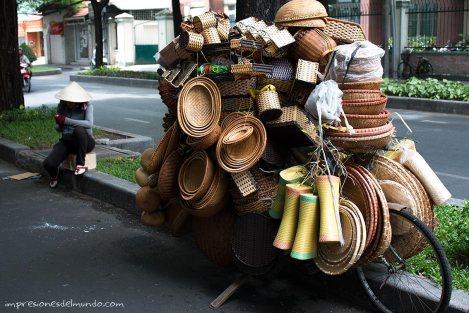 bicicleta-cestos-Saigon-Impresiones-del-mundo