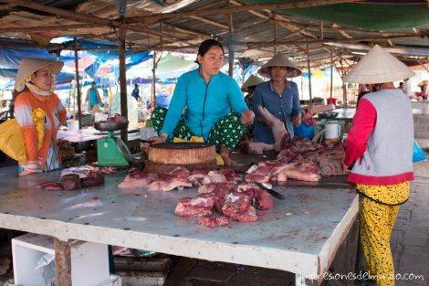 carnicera-mercado-Mui-Ne-impresiones-del-mundo
