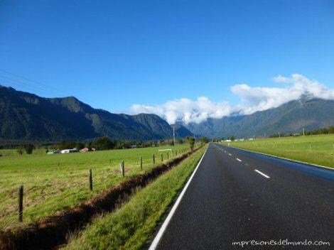 carretera-paisaje-Nueva-Zelanda-isla-sur-impresiones-del-mundo