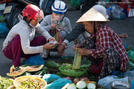 mercado-Hoi-An-impresiones-del-mundo