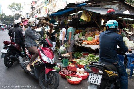 mercado-moto-Saigon-Impresiones-del-mundo