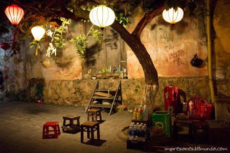 puesto-bar-calle-Hoi-An-impresiones-del-mundo