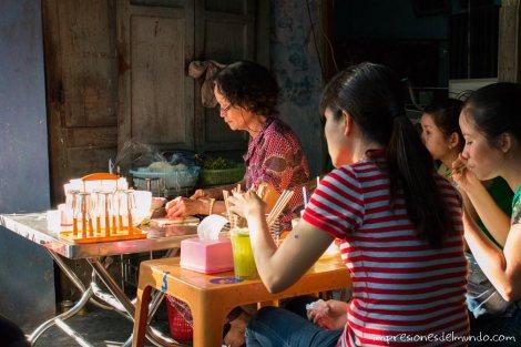 puesto-comida-calle-Hue-impresiones-del-mundo