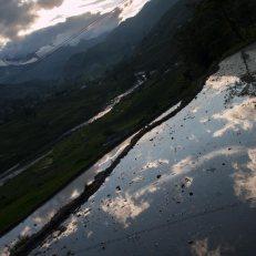 anochecer-reflejo-en-el-agua-Sapa-impresiones-del-mundo