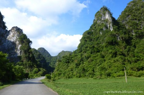 carretera-Cat-Ba-island-impresiones-del-mundo