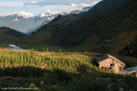 casa-y-montaña-Sapa-impresiones-del-mundo