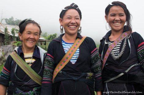 mujeres-sonriendo-Sapa-impresiones-del-mundo