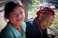 nena-y-abuela-Sapa-impresiones-del-mundo