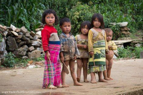 nenes-en-el-camino-Sapa-impresiones-del-mundo