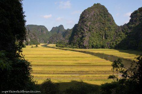 vista-desde-el-templo-4-Tam-Coc-impresiones-del-mundo