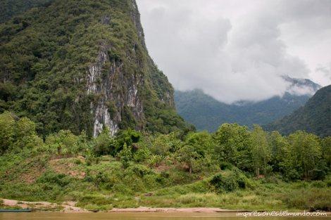 paisaje-montañas-2-Mekong-impresiones-del-mundo