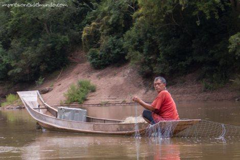pescador-Mekong-impresiones-del-mundo