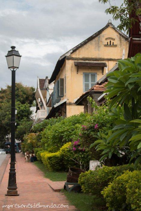 calle-arbolada-luang-prabang-impresiones-del-mundo