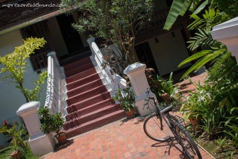 escaleras-y-bicicleta-luang-prabang-impresiones-del-mundo