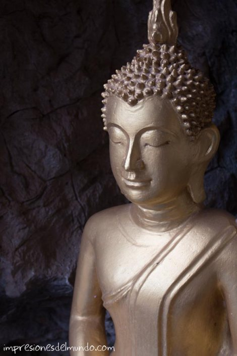 estatua-buda-luang-prabang-impresiones-del-mundo