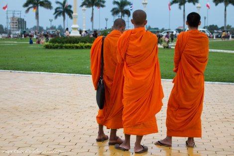 monjes-Phnom-Penh-impresiones-del-mundo