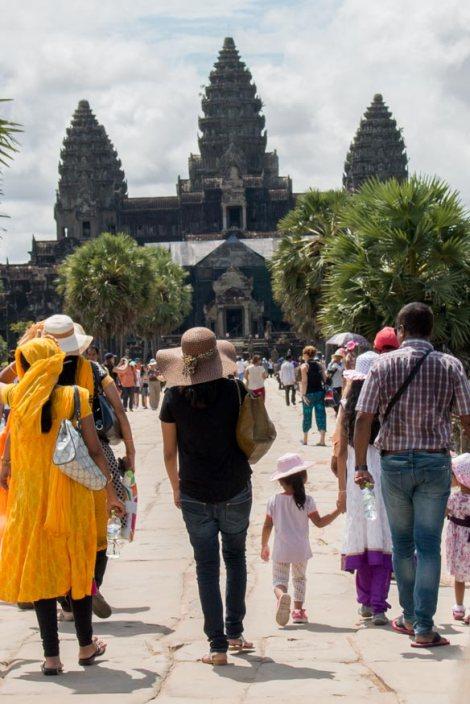 gente-visitando-Angkor-Angkor-Wat-impresiones-del-mundo