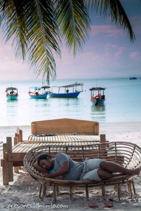 Koh-Rong-hombre-durmiendo-impresiones-del-mundo