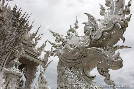 detalle-dragon-Wat-Rong-Khun-Chiang-Rai-Tailandia-impresiones-del-mundo
