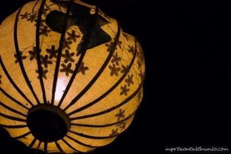 farolillo-amarillo-Hoi-An-Vietnam-impresiones-del-mundo