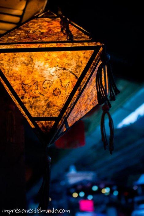 farolillo-amarillo-Mae-Salong-Tailandia-impresiones-del-mundo