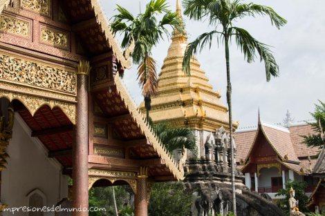 templo-con-elefantes-Chiang-Mai-Tailandia-impresiones-del-mundo