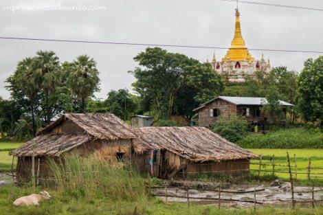 casa-y-templo-Myanmar-impresiones-del-mundo