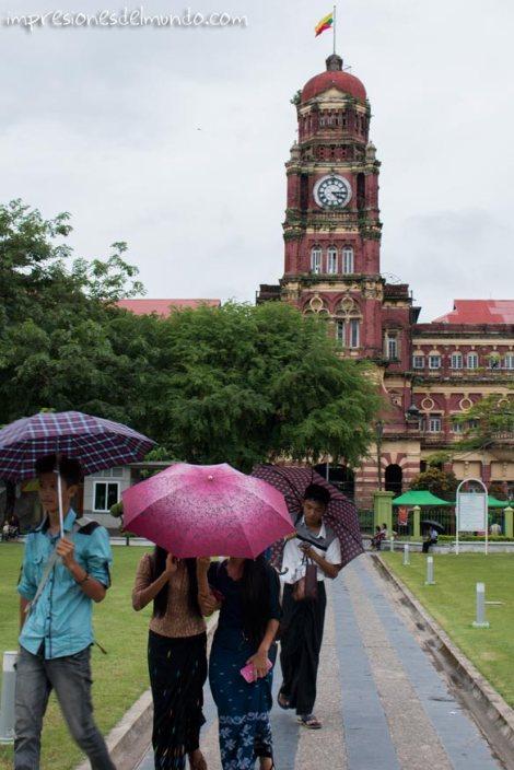 edificio-colonial-Yangon-Myanmar-impresiones-del-mundo
