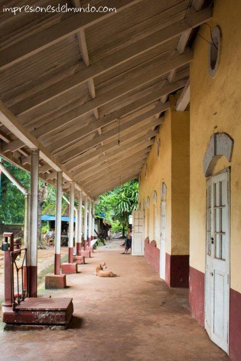 estacion-de-tren-Myanmar-impresiones-del-mundo
