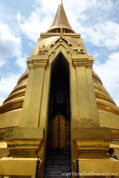 estupa-dorada-Gran-Palacio-Bangkok-impresiones-del-mundo