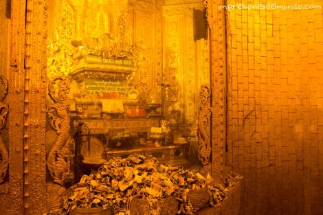 Pagoda-del-pelo-de-Buda-Yangon-Myanmar-impresiones-del-mundo