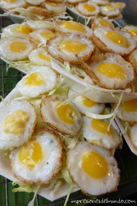 puesto-de-huevos-fritos-Bangkok-impresiones-del-mundo