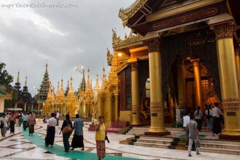 Shwedagon-Pagoda-Yangon-Myanmar-impresiones-del-mundo