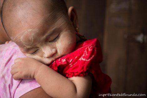 bebe-Bago-Myanmar-impresiones-del-mundo